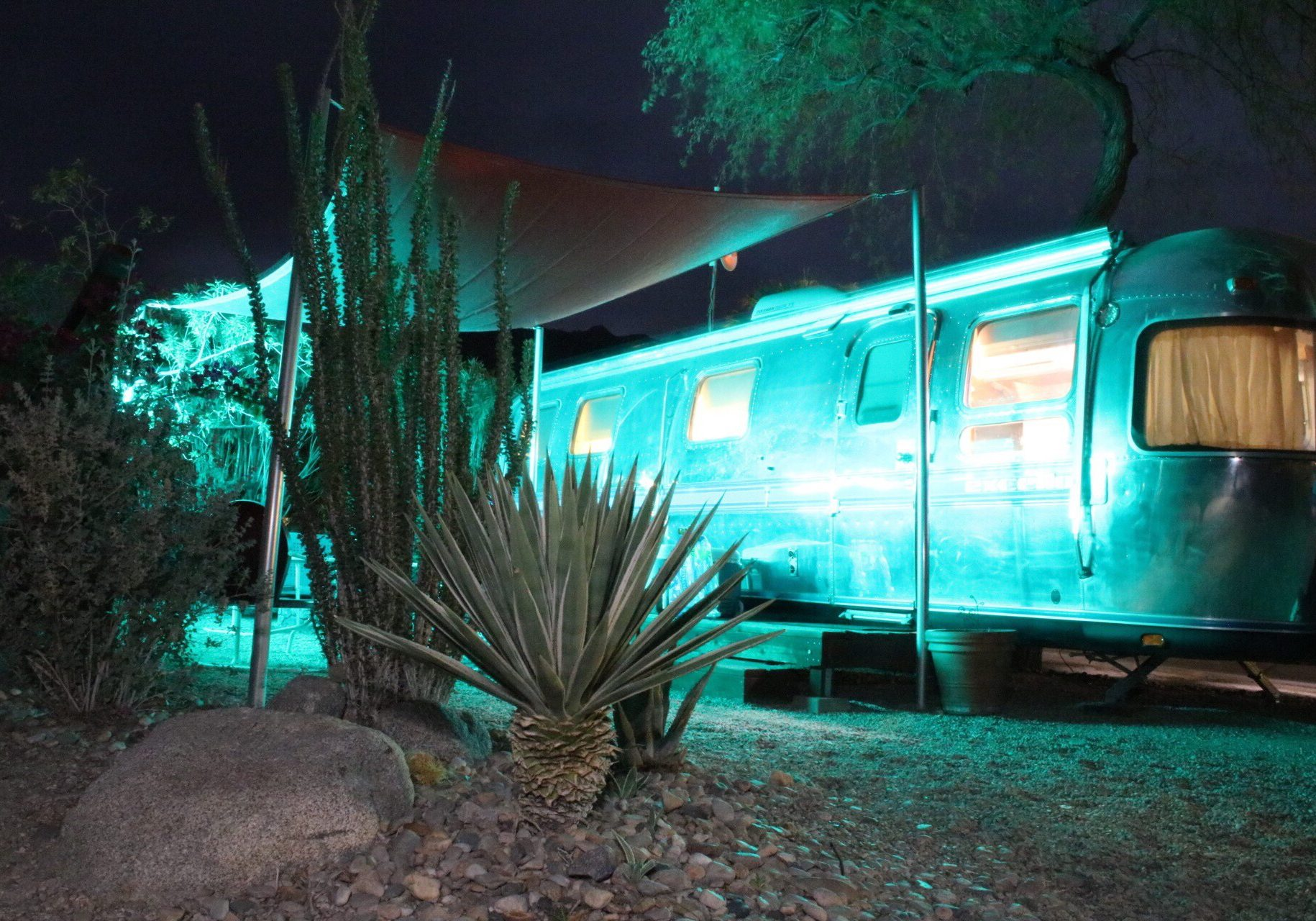 palm springs desert borrego RV vintage airstream stay camping rent